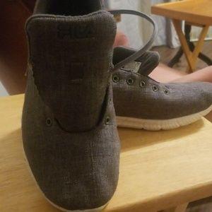 Gray cloth tennis shoes